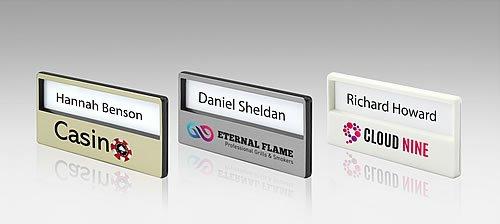 Targhette porta nomi personalizzate con attacco magnetico - Targhette porta ...